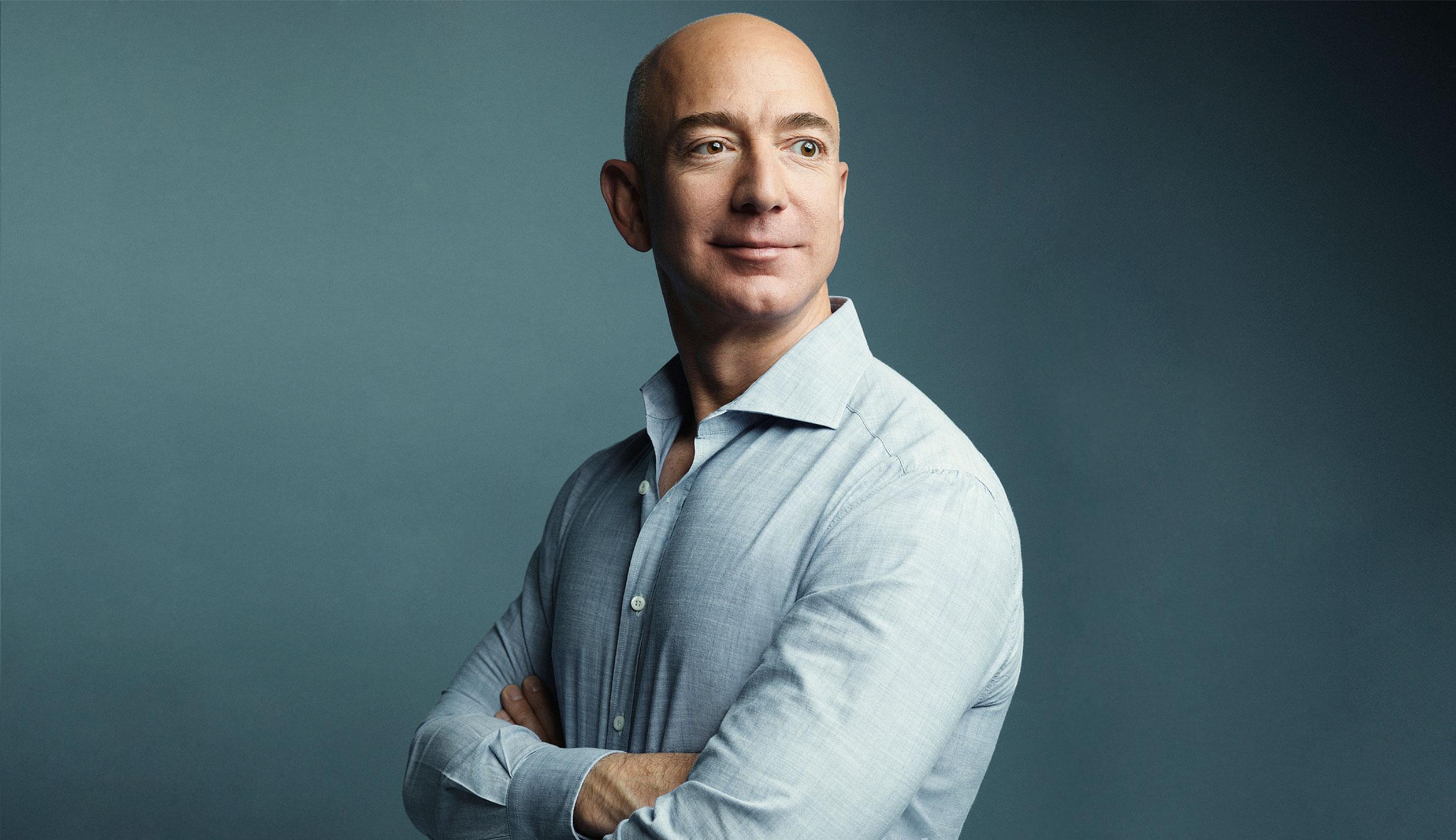 Jeff Bezos: Zakladatel Amazonu a nejbohatší knihovník na světě